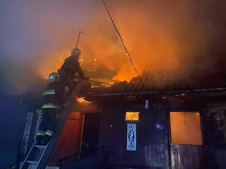 В Обарові вогнеборці врятували житловий будинок від пожежі (ФОТО)