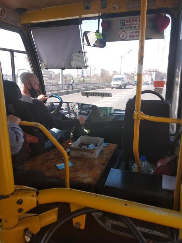 У Рівному водій закрив двері маршрутки перед пенсіонеркою
